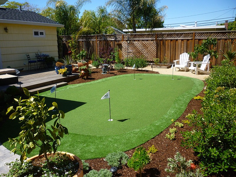 Artificial Putting Greens