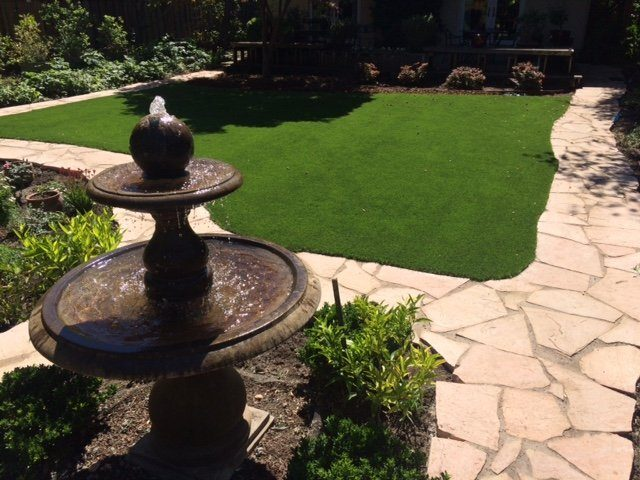Project: Palo Alto, CA Backyard with Synthetic Grass & Flagstone Path