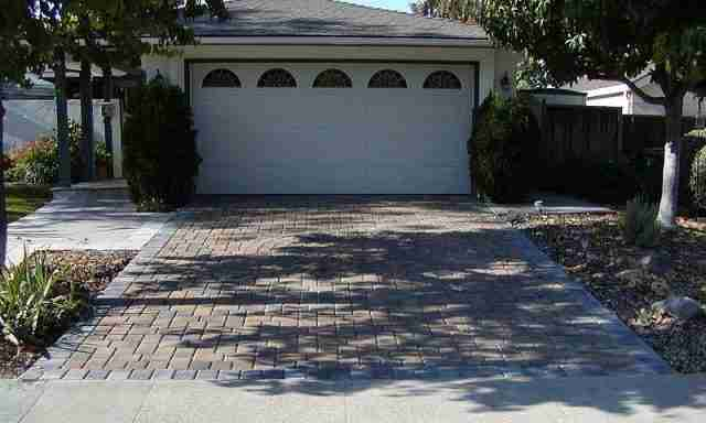 Project: Brick Paver Driveway With Circle Kit Design