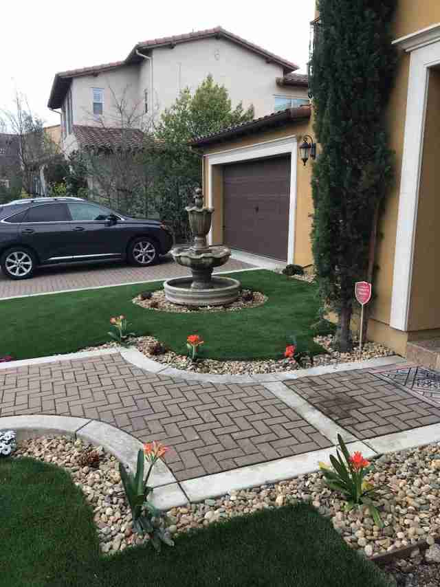 Project: Diamond Supreme Fescue Artificial Turf with Lodi Decorative Rock