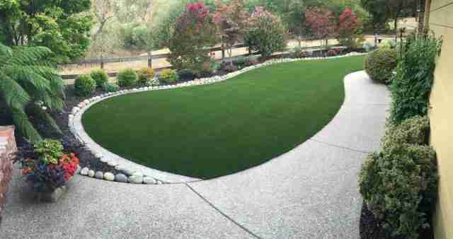 Project: Olive Green/Emerald Green Synthetic Grass in Blackhawk