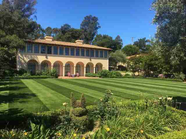 Project: Hillsborough CA – Synthetic Grass Installation with Alternating Grain