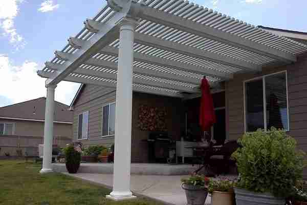 Project: Livermore Attached Lattice Roof Patio Cover – Corbel Ends with Roman Columns